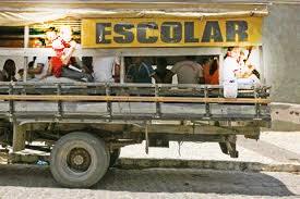 Pau-de-arara-transporte-escolar