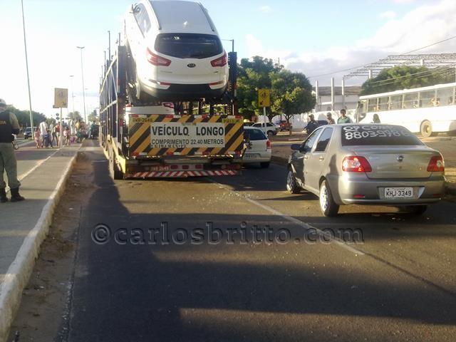 Acidente avenida Mons Angelo