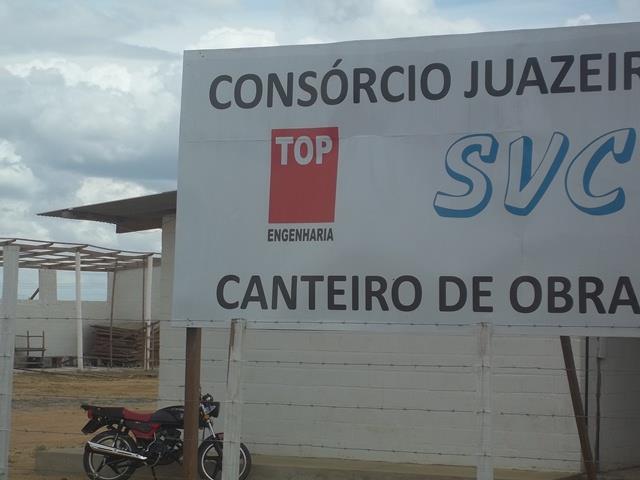 100 8752 Mais uma: veículos da Prefeitura de Juazeiro estariam realizando serviços em terreno do prefeito