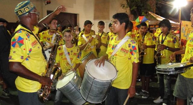 Carnaval 21 640x350 Criatividade e mobilização social marcam penúltimo dia do Carnaval de Petrolina