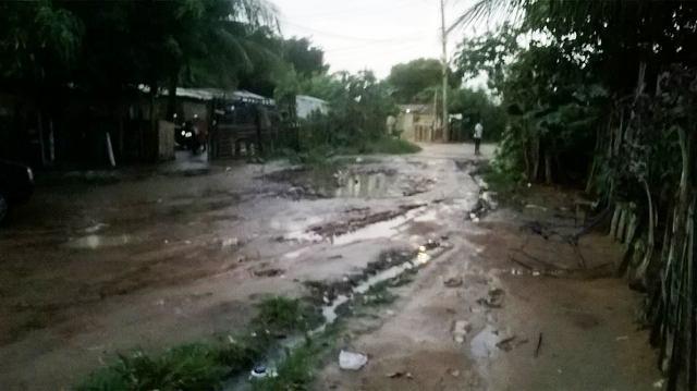 Chuva 2 Chuvas continuam causando transtornos em bairros de Petrolina e Juazeiro