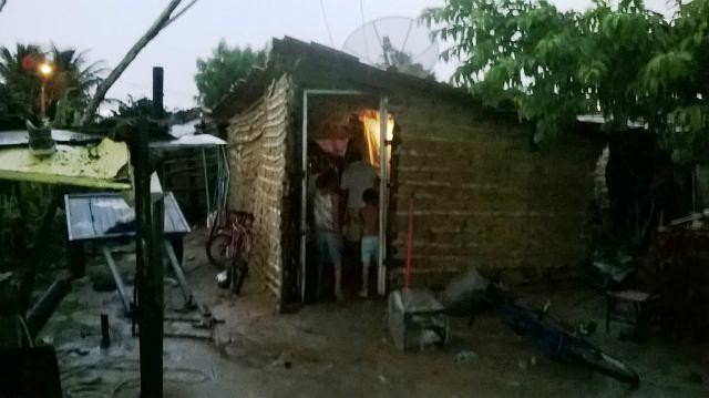 Chuva 3 Chuvas continuam causando transtornos em bairros de Petrolina e Juazeiro