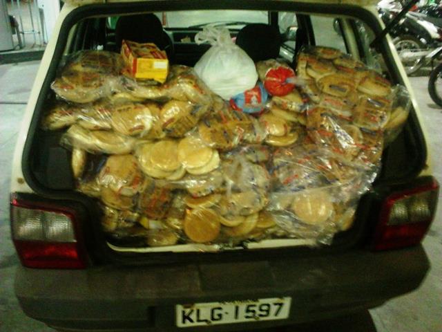 IMG00637 Estabelecimentos são multados por comercializar alimentos vencidos no Carnaval de Petrolina