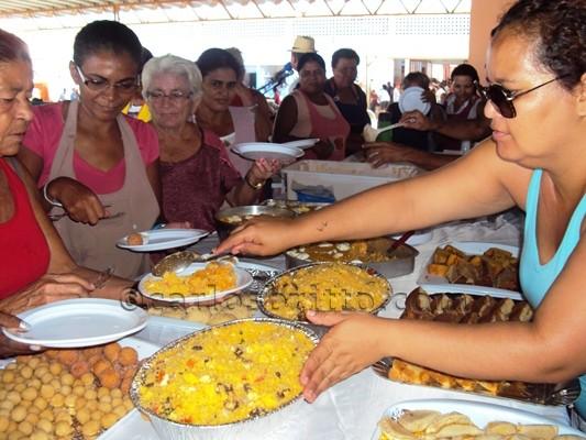 café da manhã mães Feirantes de Juazeiro são homenageadas com café da manhã no Dia das Mães