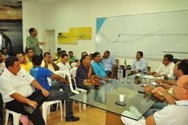 reunião prefeito 2 Governo Isaac Carvalho não honra suas propostas, diz líder comunitário