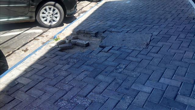 pedras calçada avenida souza filho