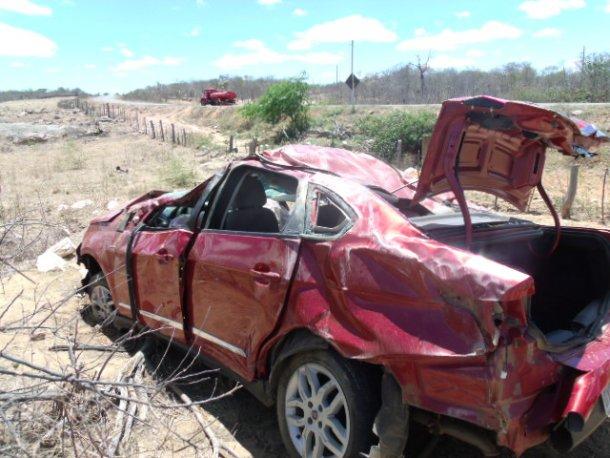 Acidente Santa Filomena Mãe e filha do prefeito de Santa Filomena sofrem grave acidente automobilístico