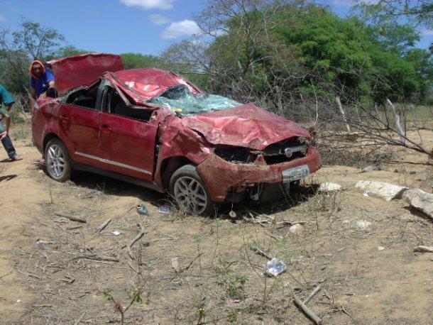 Acidente Santa Filomena1 Mãe e filha do prefeito de Santa Filomena sofrem grave acidente automobilístico