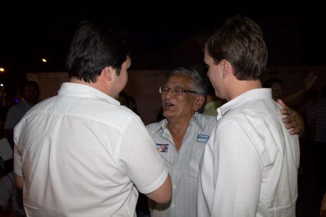 Caminhada Cohab 1 Fernando Filho e Miguel Coelho fazem caminhada na Cohab Massangano e intensificam conversas na área irrigada