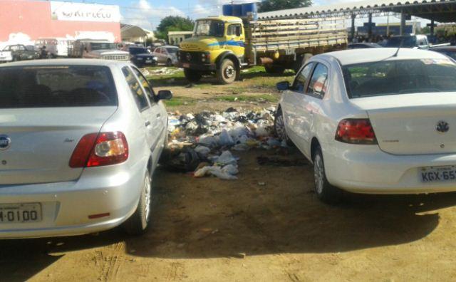 IMG 20140916 WA0001 Esgoto e lixo tomam conta de área nas proximidades da feira da Cohab Massangano