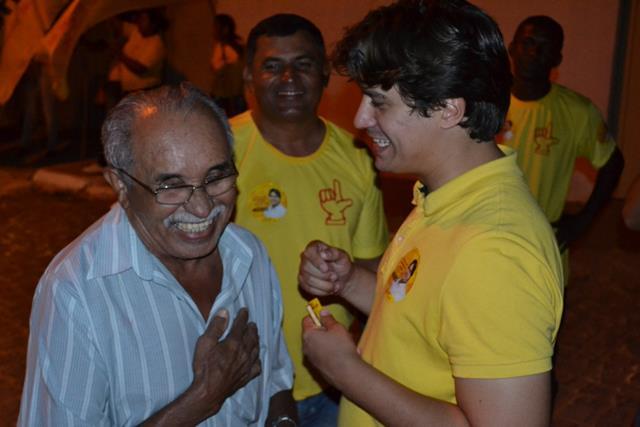 LucasRamosemcaminhadanoRioCorrente 640x427 Mais dois líderes comunitários de Petrolina selam apoio a Lucas Ramos