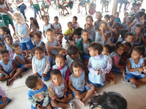 crianças fundação lar feliz