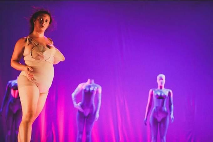 bailarina carol andrade