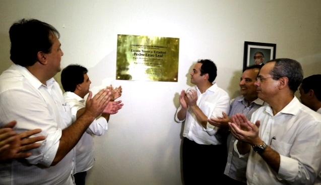 inauguração escola técnica belmonte