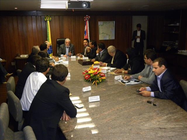 Reunião prefeitos Roberto Carlos