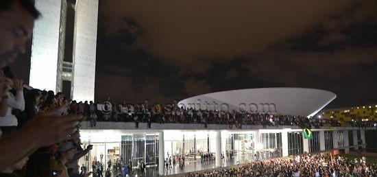 Manifestantes no Congresso/Agência Brasil