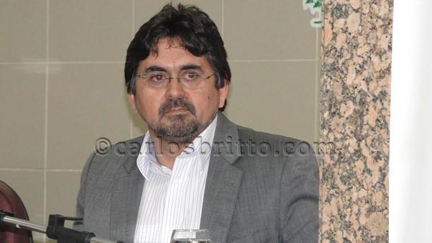 dr.Pérsio