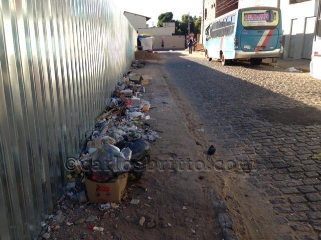 Lixo na Rua da Simpatia
