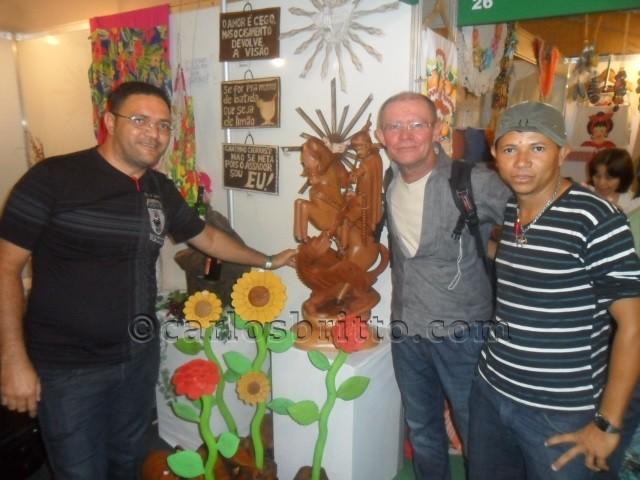 Gilson Oliveira, autor da obra, José Figueiredo Secretario e Nailton Alves, Coordenador Cultural. (1)