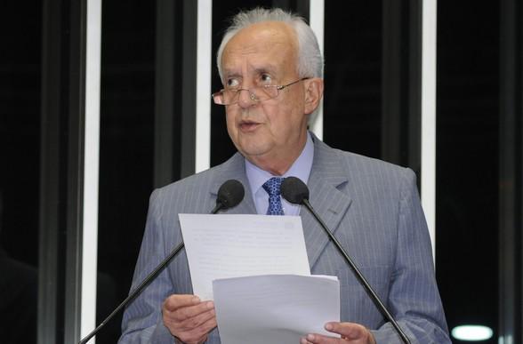 Senador Jarbas Vasconcelos (PMDB-PE) pede projetos de irrigação e políticas de crédito para o semiárido nordestino