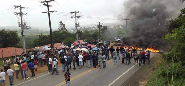 Protesto Campo Formoso/Foto: Ascom DEM/divulgação