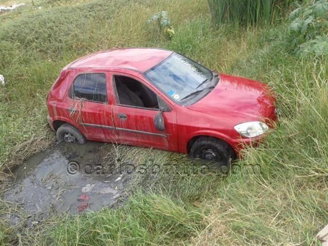 carro abandonado_640x480