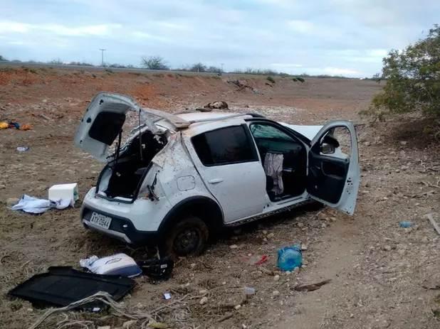 acidente-carro-massaroca-juazeiro