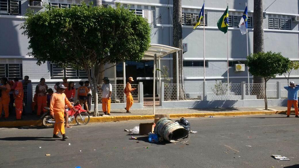 protesto-garis-prefeitura-araripina