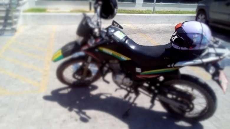 mototaxista-estacionamento-proibido