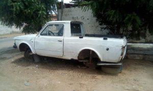 carro-abandonado-rua-g