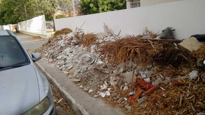 lixo-e-entulhos-ame-vila-eduardo