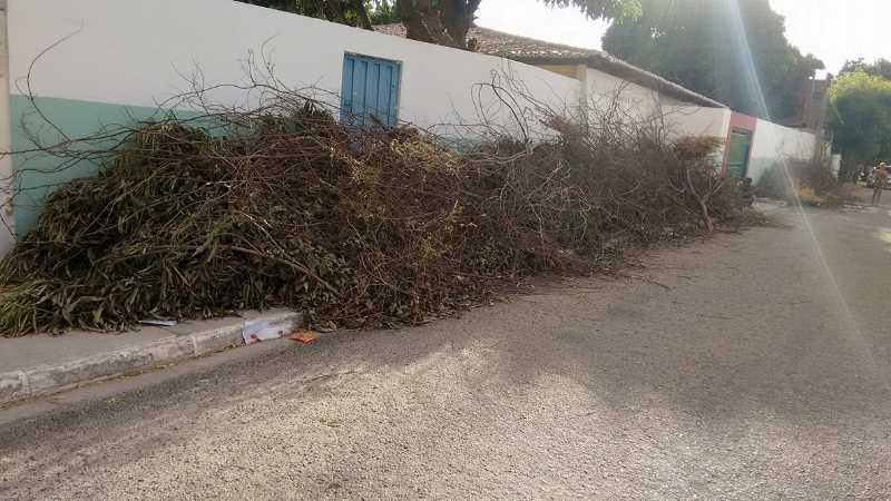 lixo-e-entulhos-ame-vila-eduardo2