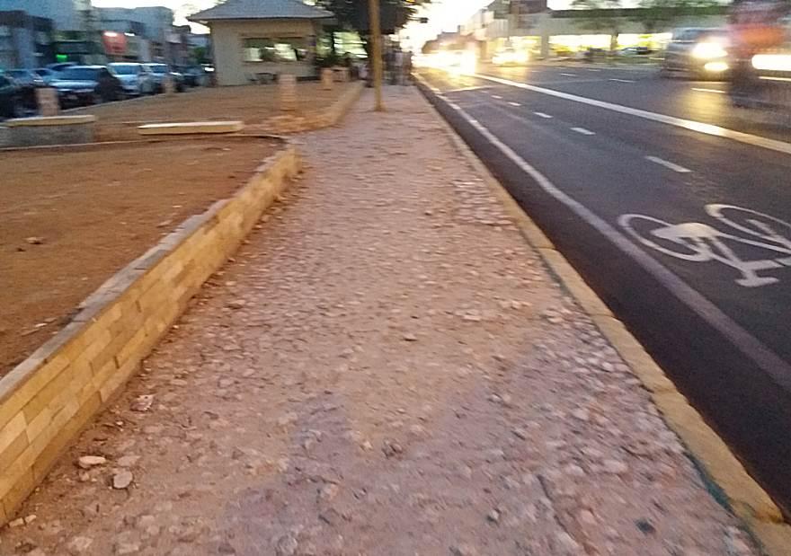 calcada-deteriorada-avenida-guararapes